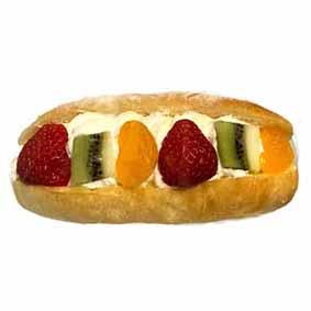 ■季節のパン■旬の果実のフルーツサンド255円