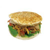 【旬の食材のパン】たけのこと豚肉の米粉バーガー165円